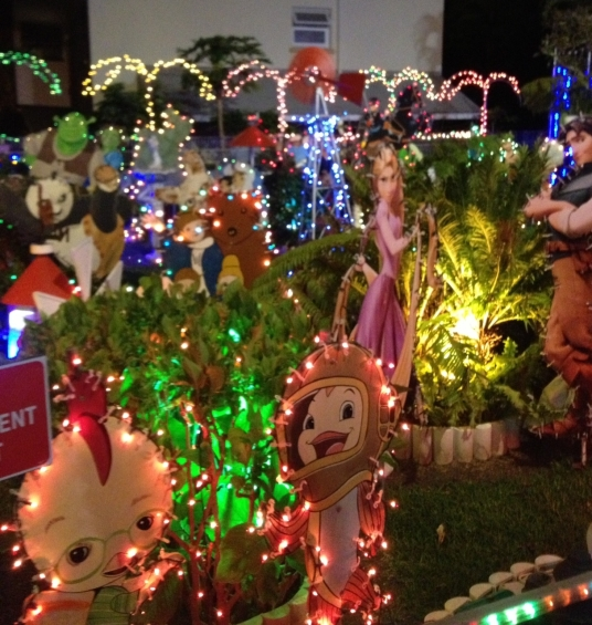 Christmas arrives in Nouméa with Santa\'s garden | New Caledonia Today