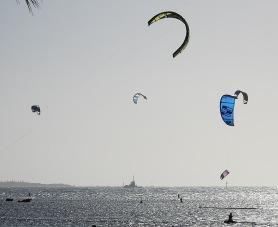 image-3-kite-surfing